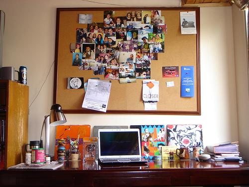 escritorio real. Foto: Yassef Briceño García. Disponível em: http://www.flickr.com/photos/yassef/3028122157/ Acesso em: 30 mar 2013.