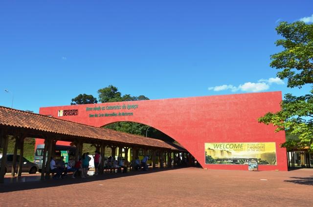 Vista parcial da entrada do parque